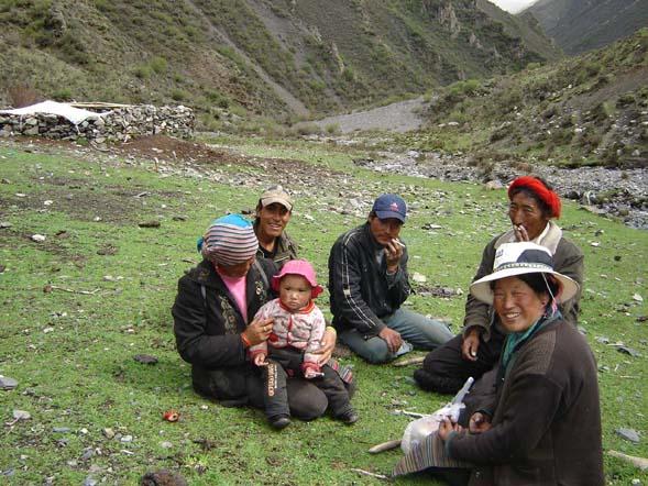 3365178_tibet_semya6 (589x442, 97Kb)