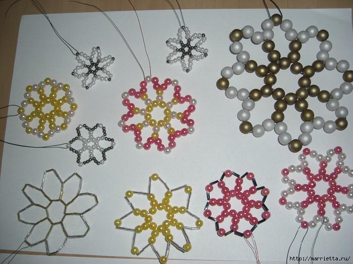Насобирала в сети интернета.  Новогодние шары от Sar Ei.  Звезды и ангелочек из бисера.  Делаем украшения на елку.