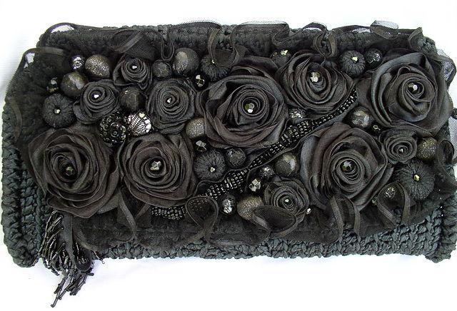非常漂亮的用丝带钩的手包