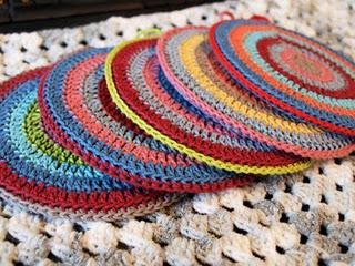Вязанные кеды.  Идеи для вязания крючком.  Прочитать целикомВ.