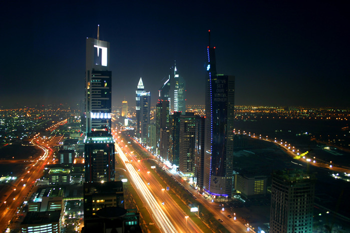 Dubai_night_skyline (700x466, 130Kb)
