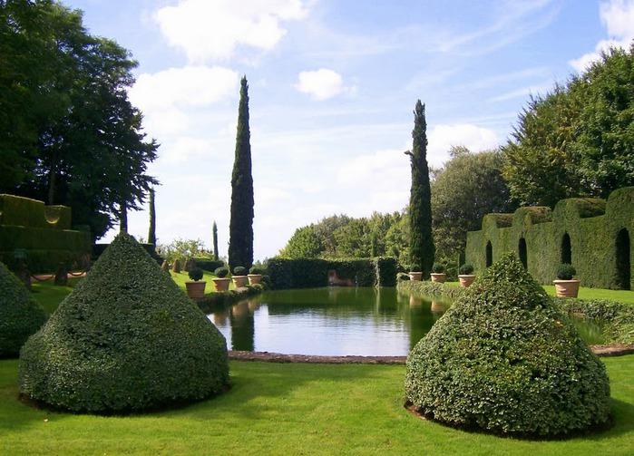 Сады поместья Эриньяк /Les Jardins du Manoir D'Eyrignac 22430