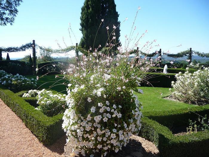 Сады поместья Эриньяк /Les Jardins du Manoir D'Eyrignac 24321