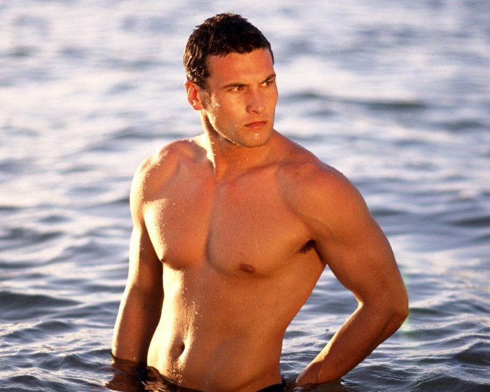 красивое мужское тело фото для мотивации.
