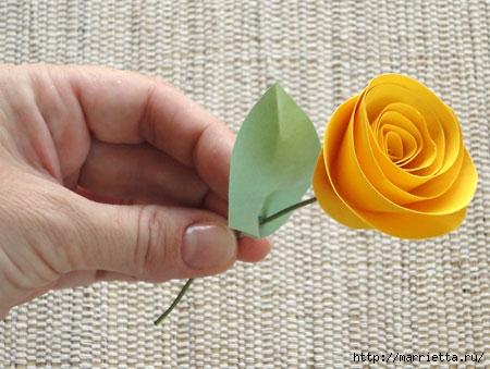 Предлагаю вам немножко идей для вдохновения, а под катом - как сделать цветы из бумажных бобинок от туалетной бумаги.