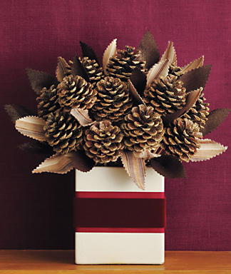 Holiday-Centerpiece-How-to-Pinecone-Bouquet_full_article_vertical (324x384, 30Kb)