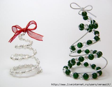 Спиральные деревья из бисера.  Провод, бисер, шнур.  Эти милые деревья можно поставить на полку или повесить на...