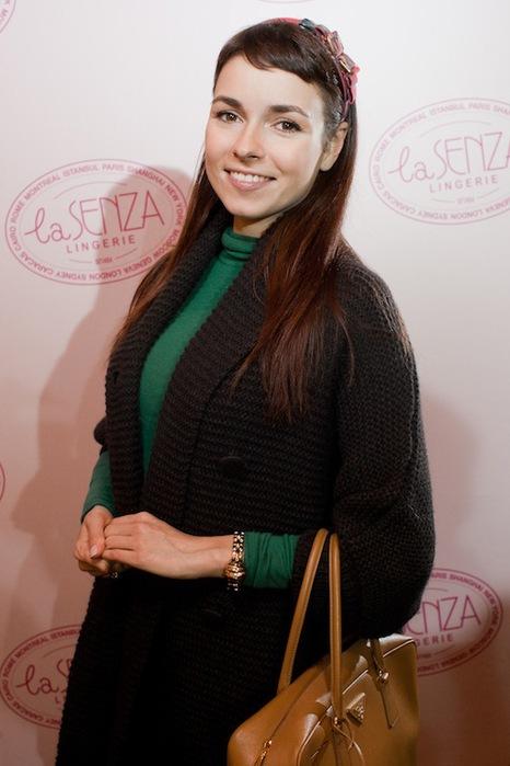 Irena Ponaroshku, TV star_01 (466x700, 78Kb)