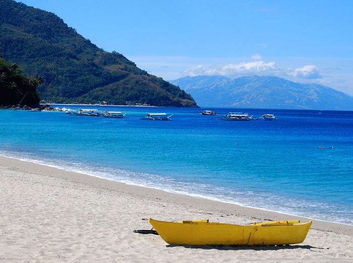 Puerto_Galera_-_Yellow_Boat (700x521, 103Kb)