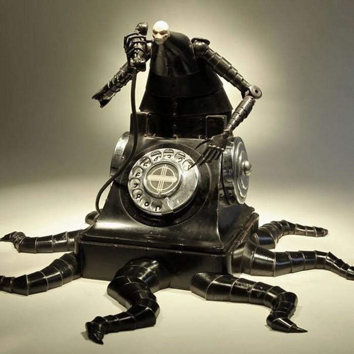 Ужасно странный телефон от Greg Brotherton