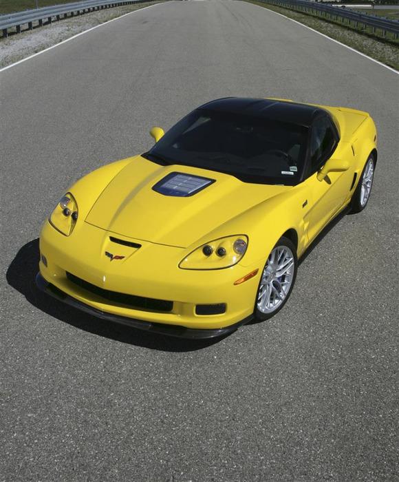 2011-Chevy-Corvette-ZR1-Coupe-Image-4-800 (580x700, 146Kb)