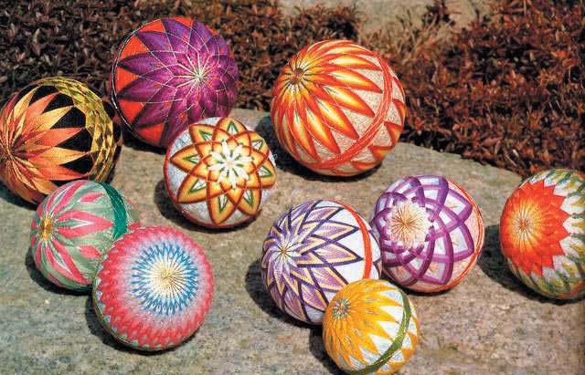 Тэмари - японские вышитые шары