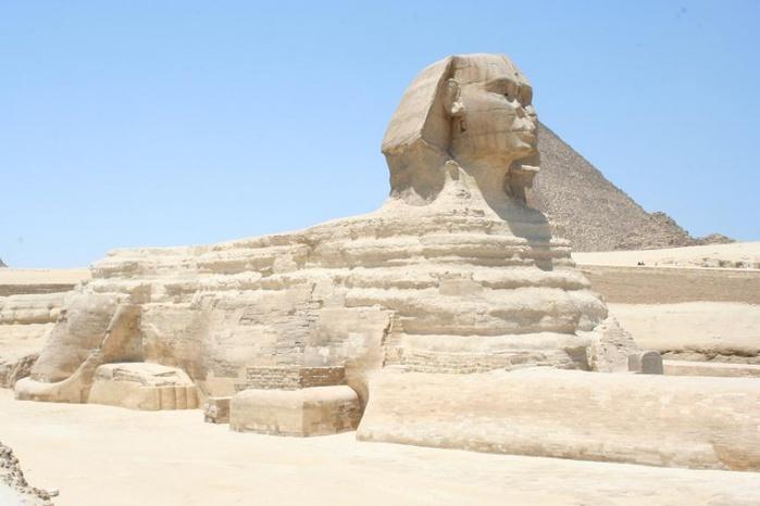 800px-Загадочный_Сфинкс,_Гиза,_Египет (700x466, 85Kb)