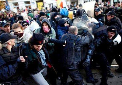 Беспорядки в Варшаве (401x278, 33Kb)