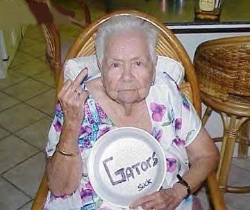 смешные старушки фото/1321391363_granny_11 (360x302, 27Kb)