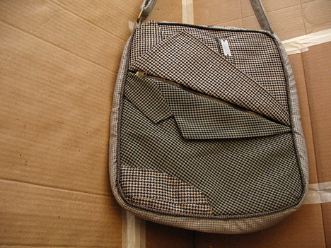messenger-bag-recovered-fabrics-carro-2 (468x351, 78Kb)