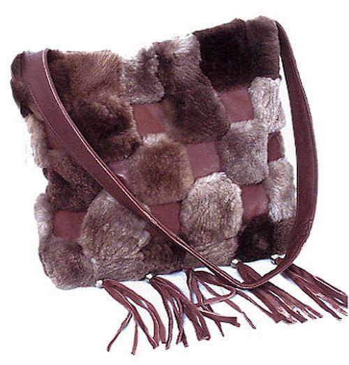 Как украсить сумку мехом