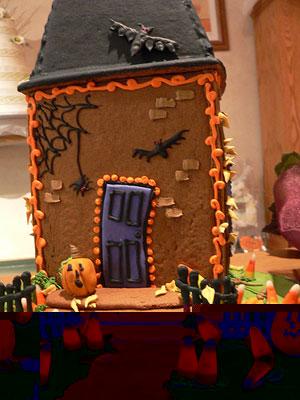 edibleart-halloweenhouse (300x400, 42Kb)