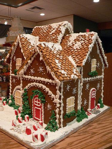 Gingerbread-House-Photos-2 (375x500, 78Kb)