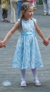 Голубое платье (160x294, 74Kb)