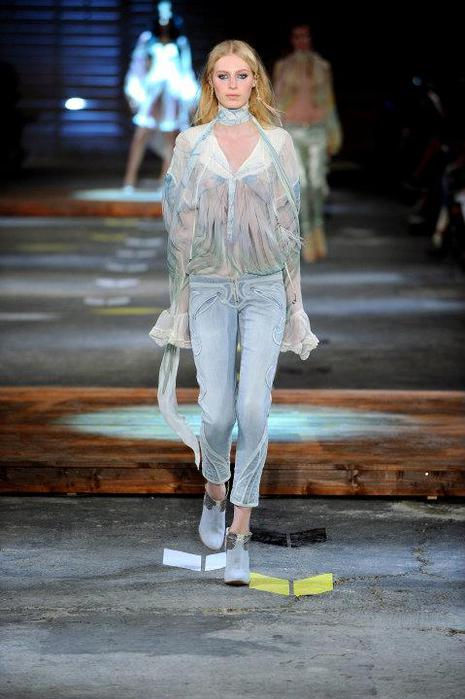 Just-Cavalli-Spring-Summer-2012-Collection-DesignSceneNet-02 (465x700, 48Kb)