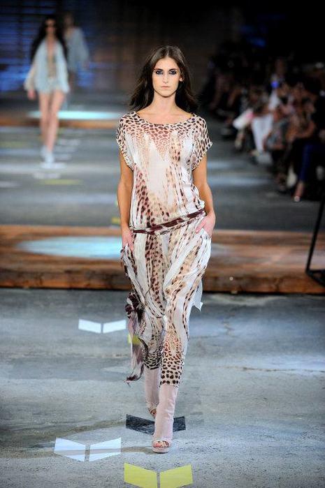 Just-Cavalli-Spring-Summer-2012-Collection-DesignSceneNet-11 (465x700, 50Kb)