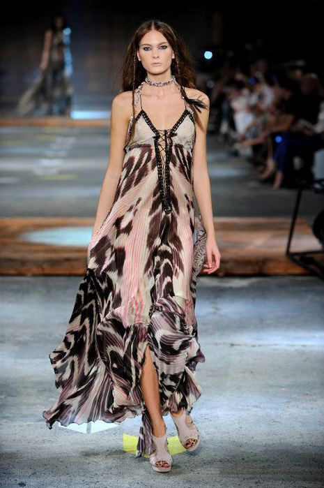 Just-Cavalli-Spring-Summer-2012-Collection-DesignSceneNet-24 (465x700, 59Kb)