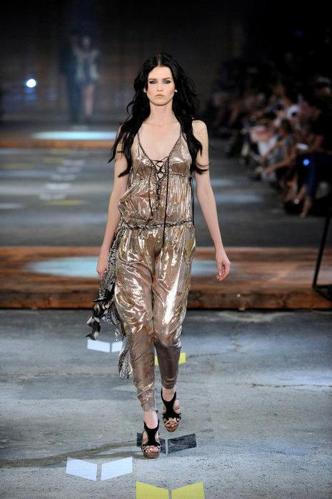 Just-Cavalli-Spring-Summer-2012-Collection-DesignSceneNet-27 (465x700, 49Kb)