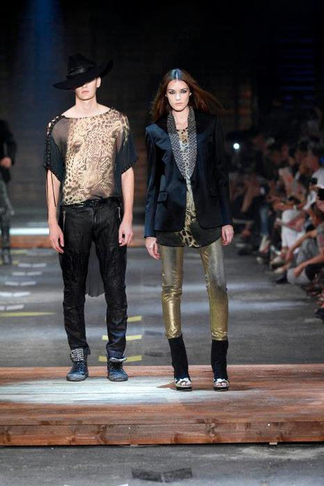 Just-Cavalli-Spring-Summer-2012-Collection-DesignSceneNet-33 (466x700, 47Kb)