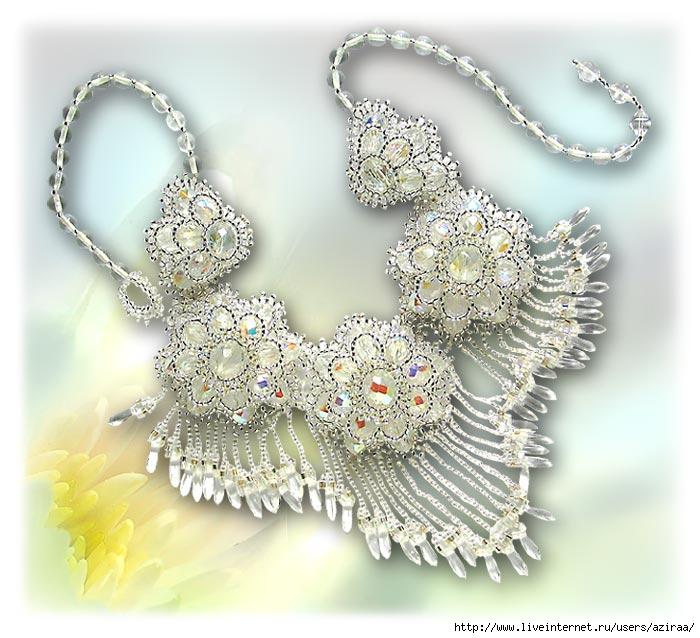 """Колье из бисера и чешских кристаллов, исполнено в серебристой гамме, кристаллы. как раз то.  Свадебные цветы """" - деталь."""