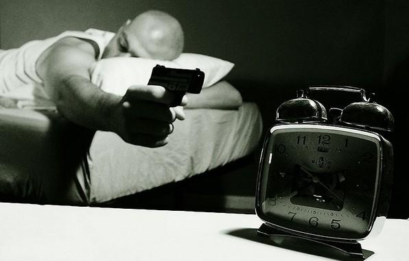 пистолет стреляет в будильник/4348076_ponedelnik_2 (596x380, 45Kb)
