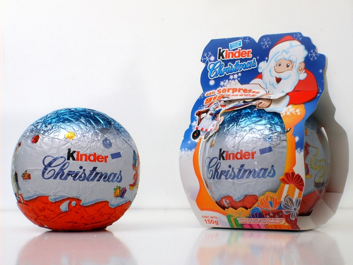 4278666_Kinder_Surprise_Christmas (700x525, 280Kb)