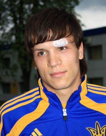 Зарплата украинских футболистов 8 (406x520, 34Kb)
