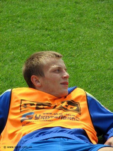 Зарплата украинских футболистов 10 (390x520, 44Kb)