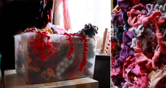 3576489_sweater_felt_flowers_www_auntpeaches (700x371, 190Kb)