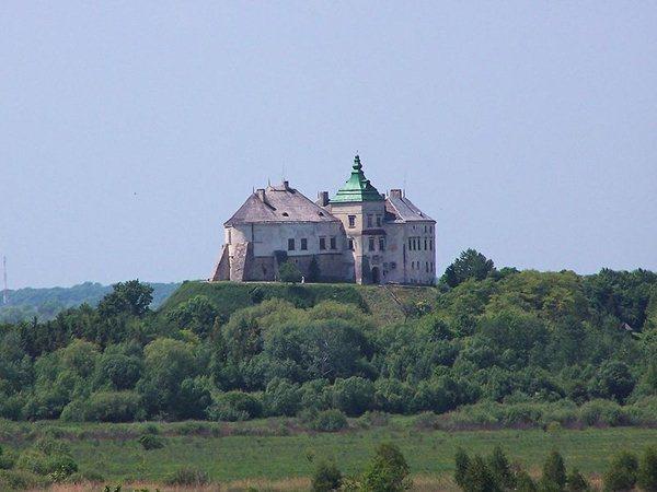 Замки, крепости и дворцы Украины 6-1 (600x450, 46Kb)
