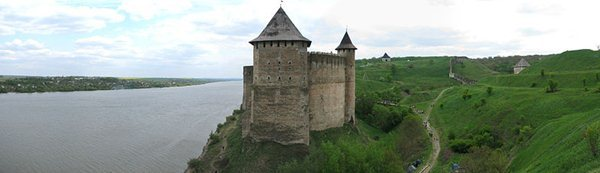 Замки, крепости и дворцы Украины 13-2 (600x173, 20Kb)