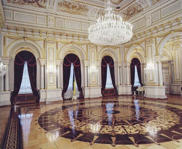 Замки, крепости и дворцы Украины 18-2 (600x491, 83Kb)