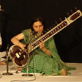 Sitar Player (320x320, 45Kb)
