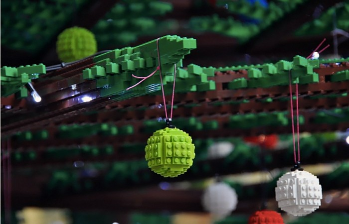 lego-christmas-tree-4 (700x450, 60Kb)