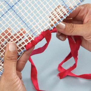 Вышивка лентами на пластиковой канве и кафельная плитка (6)