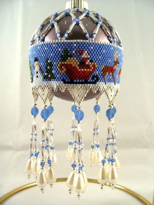Источник.  Сокровища из бисера на ёлку.  Прочитать целикомВ. http://www.etsy.com/shop/ChristmasCreation.