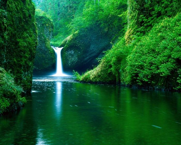 7 обои водопад (700x560, 190Kb)