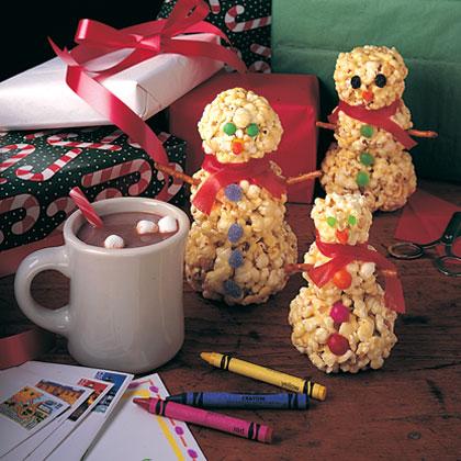 popcorn-snowmen-recipe-photo-420-1195-FF11007X (420x420, 58Kb)