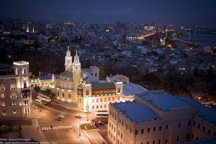 Filarmoniya_Baku-2008 (700x466, 69Kb)