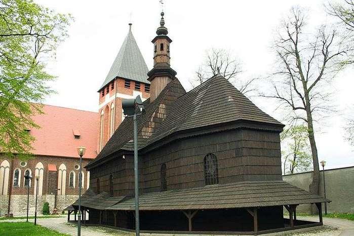 800px-Miasteczko_Śląskie_kościół_drewniany_p (700x466, 57Kb)