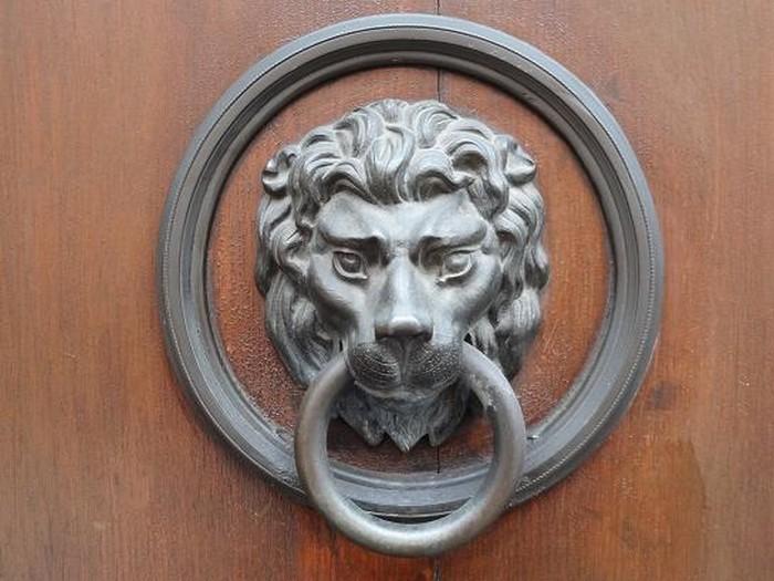 Пражская дверная ручка - настоящее произведение искусства