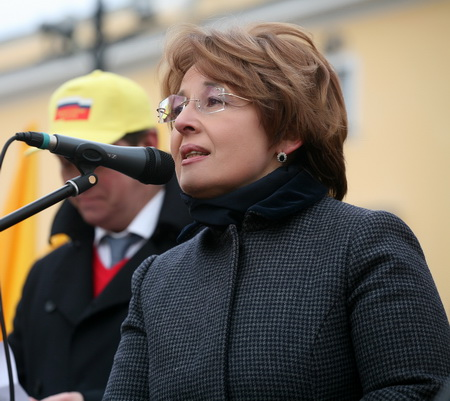 """Оксану Дмитриеву - решили не включать в президиум центрального совета """"Спр ..."""
