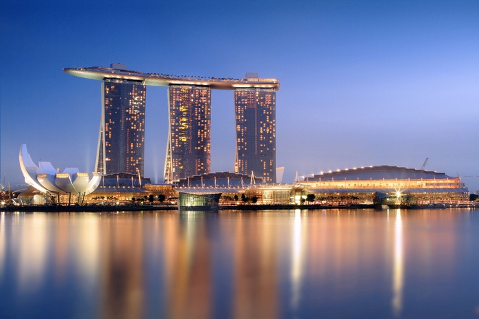 Marina_Bay_Sands_in_the_evening_-_20101120 (700x466, 221Kb)