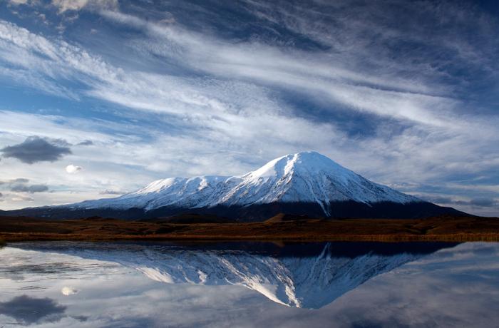 красивый вулкан (700x460, 297Kb)